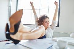 Celebrazione della donna di affari Immagini Stock