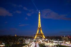 Celebrazione di illuminazione dell'nuovo anno alla torre Eiffel il 1 gennaio 2013 Immagini Stock
