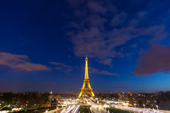 Celebrazione di illuminazione dell'nuovo anno alla torre Eiffel il 1 gennaio 2013 Fotografia Stock Libera da Diritti