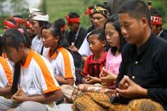 Celebrazione di Melasti in Indonesia Immagine Stock