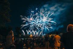 Celebrazione lunatica del fuoco d'artificio Immagine Stock
