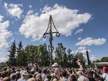 Celebrazione tradizionale di metà dell'estate a Skansen, Stoccolma, Svezia fotografie stock libere da diritti