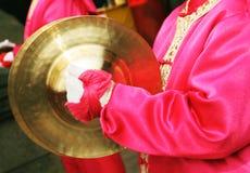 Celebrazioni cinesi di nuovo anno - primo piano di un batterista femminile. Immagine Stock Libera da Diritti