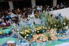 Celebrazioni di Yemanja alla spiaggia di Copacabana Immagine Stock