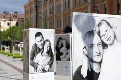 Celebridades e crianças com Síndrome de Down nos cartazes Fotos de Stock Royalty Free