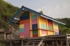 Celeiro colorido na costa de mar Imagens de Stock Royalty Free