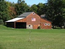 Celeiro com bandeira americana Fotos de Stock