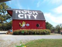 Celeiro da cidade da rocha Fotos de Stock Royalty Free