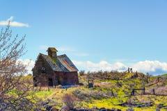 Celeiro de deterioração em Oregon rural fotos de stock