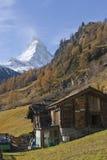 Celeiro de madeira em Zermat Fotos de Stock Royalty Free