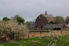 Celeiro rural da exploração agrícola foto de stock royalty free