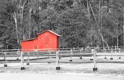 Celeiro vermelho velho foto de stock