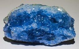 Celestine oder Celestiteblauer Mineralsteinkristalledelstein stockfotografie