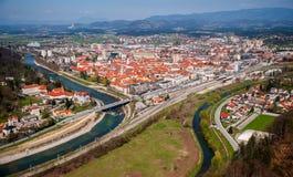 Celje stad, panorama, Slovenien Arkivbilder