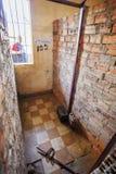 Cell i det Tuol Sleng Genoside museet, Phnom Penh, Cambodja Royaltyfria Bilder