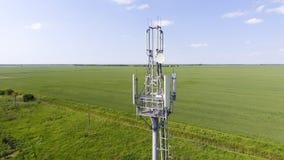 cell- torn Utrustning för att vidarebefordra den cell- och mobila signalen Arkivbilder