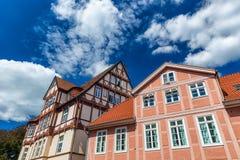 Celle, Alemania Edificios coloridos en centro de ciudad en DA soleada imagen de archivo