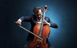 Free Cellist Playing On Instrument With Empathy Royalty Free Stock Photos - 139655368