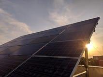 Cellula di pannelli solari Moduli fotovoltaici fotografia stock libera da diritti