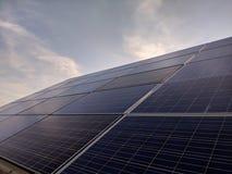 Cellula di pannelli solari Moduli fotovoltaici immagini stock libere da diritti