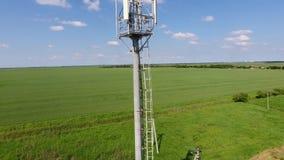 Cellulaire toren Materiaal om cellulair en mobiel signaal af te lossen stock footage