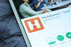 Cellulare app di Hostelworld Immagini Stock