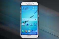 Cellulare della galassia s6 di Samsung fotografie stock libere da diritti
