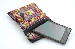 Cellulare in portafoglio variopinto Immagini Stock Libere da Diritti
