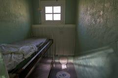Cellule de prison de la femme historique images stock