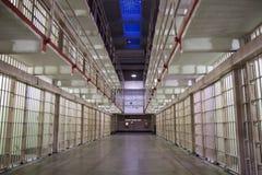 Cellules d'Alcatraz la nuit Photos libres de droits