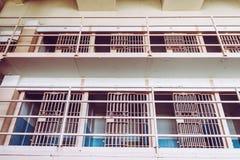 Cellules de l'île d'Alcatraz, autrefois une prison militaire et aujourd'hui un endroit historique qui accueille quotidiennement l images libres de droits