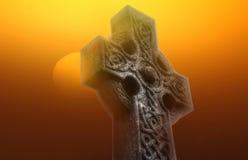 Celtycki krzyż przy wschodu słońca b Fotografia Royalty Free