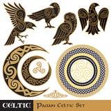 Celtycki magia set Celt uzbrajać w rogi księżyc i słońce, Celtycka sowa, Celtycki kruk ilustracji