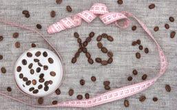 Celulitis śmietanka z kofeiny pojęciem Obrazy Royalty Free