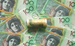 Cem cédulas australianas do dólar fotos de stock