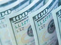Cem cédulas novas do dólar Imagens de Stock Royalty Free