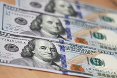 Cem dólares - papel moeda de 100 dólares Foto de Stock Royalty Free