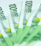 Cem euro- contas Fotos de Stock Royalty Free