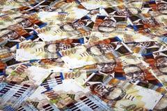 Cem fundos desarrumado das contas dos shekels Fotos de Stock Royalty Free