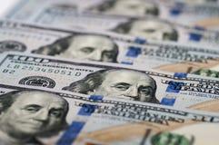 Cem notas de dólar novas Fotografia de Stock