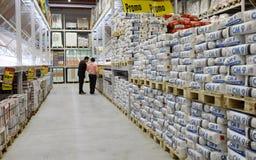 Cement en bouwmaterialenopslag stock foto
