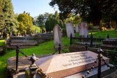 Cementerio antiguo en la iglesia de San Martín en Cantorbery Kent South Imagenes de archivo
