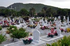 Cementerio colorido en la playa Foto de archivo