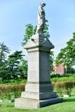 Cementerio de Bosque verde fotos de archivo libres de regalías