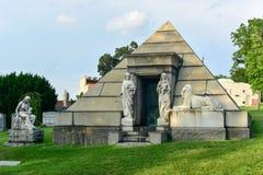 Cementerio de Bosque verde fotografía de archivo libre de regalías