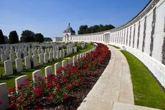 Cementerio de la choza de Tyne en Ypres foto de archivo