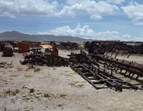 Cementerio de los trenes dans l'uyuni Photographie stock