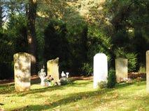 Cementerio en el otoño Imágenes de archivo libres de regalías