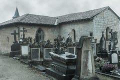Cementerio en otoño Fotos de archivo libres de regalías