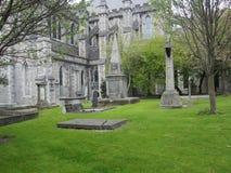 Cementerio en St Patrick Cathedral en Dublín, Irlanda fotografía de archivo